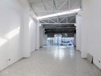 Arriendo Local/bodega Sala De Exhibición Av Potrerillo