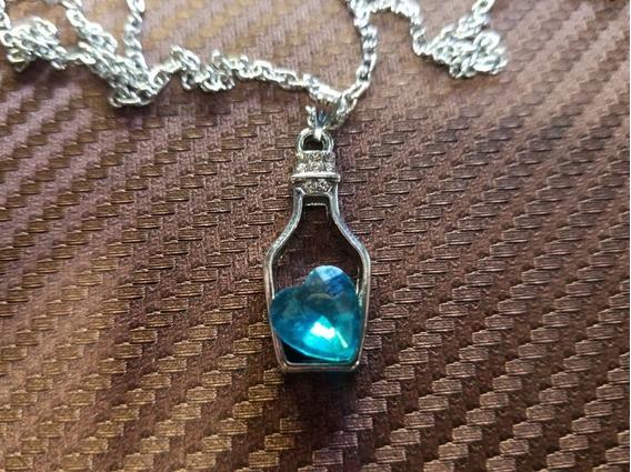 Correntinha Prateada Fashion Coração Azul Na Garrafinha
