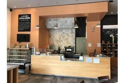 Se Traspasa Local Con Mobiliario Para Cafetería Listo Para Operar!