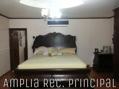 Se Vende Casa En Santa Elena $210,000 Debajo De Avaluo