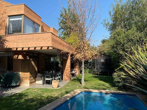 Imagen 1 de 24 de Preciosa Casa En Condominio San Carlos, Las Condes