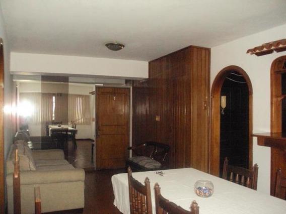 Apartamento En Venta En Urbanizacion El Centro19-7895 Jev