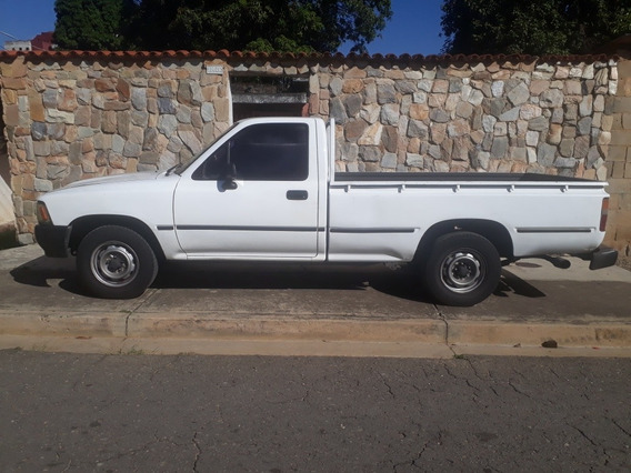 Toyota Hilux Hilux 4x2 Pick Up