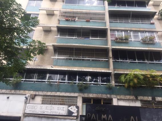 Funcional Apartamento En Las Palmas.