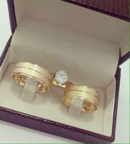 Par Alianças Casamento Noivado Cor Ouro Moedas Antigas