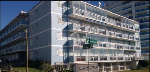 Departamento De 1 Dormitorio En Punta Del Este.- Ref: 459