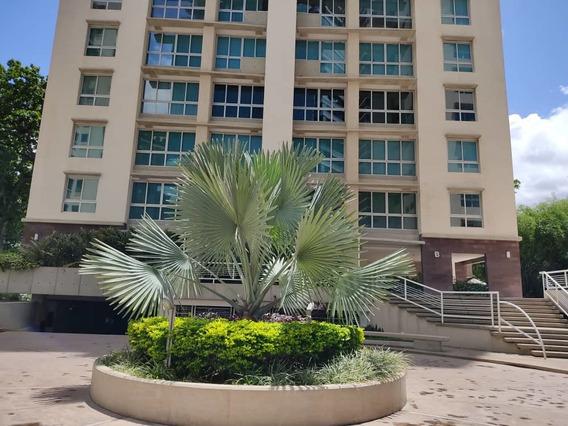 Apartamento En Campo Alegre, Caracas