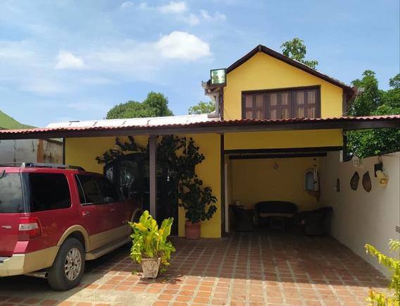 El Castaño Chalet En Venta Bella Casa Aura 04243635757