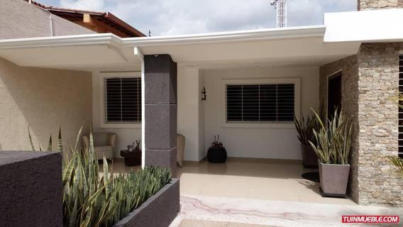 Rgasesorinmobiliario Vende Casa En La Urb La Floresta Rg