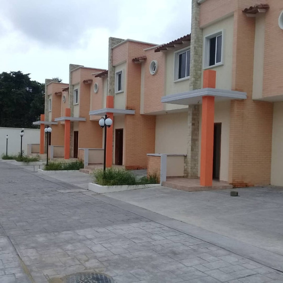 En Venta Townhouses En Maracay Zona Norte 04243575129