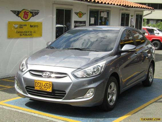 Hyundai Accent I25 Mt 1600