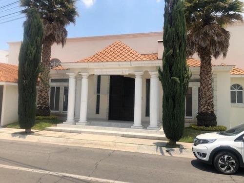 Residencia En Exclusiva Zona Con Amplio Jardin, 4 Recamaras