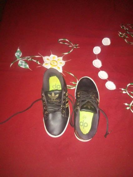 Tênis Da adidas, Preto Semi-novo (original)