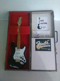 Mini Guitarra Electrica Fender Strato Con Maletin Metalico