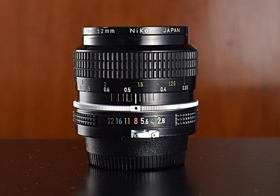 Objetiva Nikon Ai-s 35mm F2.8
