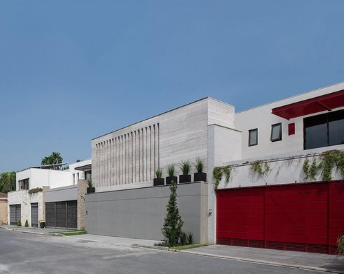 Casa En Venta En Col. Del Valle - Cerca De Calzada Del Valle - 4 Recámaras-nueva (aah)