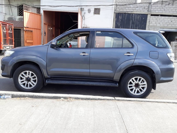 Toyota Fortuner 2.7 Año 2014 35.000km