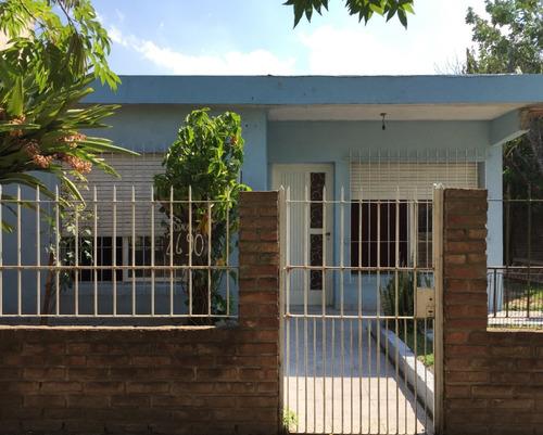 Casa En Esquina Ituzaingo