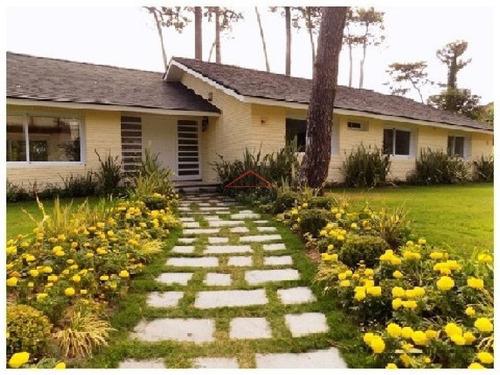 Casa En Mansa, 5 Dormitorios - Ref: 3144
