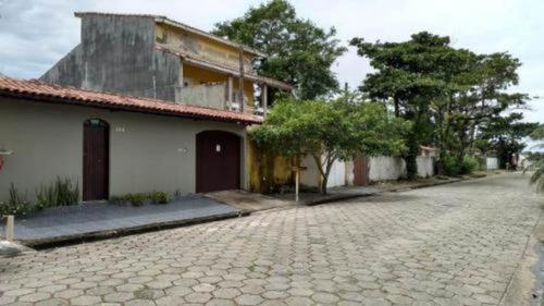 Casa Com Piscina E Muro Alto Em Nova Itanhaém - 5263 | Npc