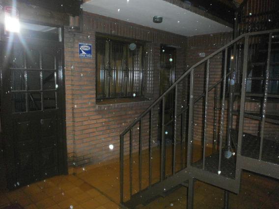 Casa En Ph Amplia En Pleno Centro De Lanus