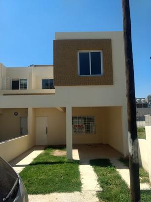 Se Vende Duplex En Barrio Urbanización Gandhi