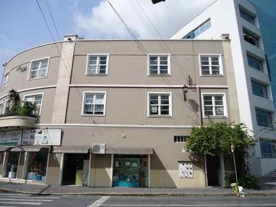 Apartamento No Centro Com 1 Quartos Para Locação, 20 M² - 6931