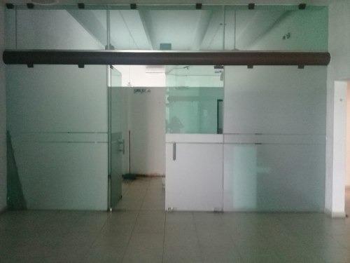 Renta De Oficina En Av Nichupte En Plaza Comercial Cancún