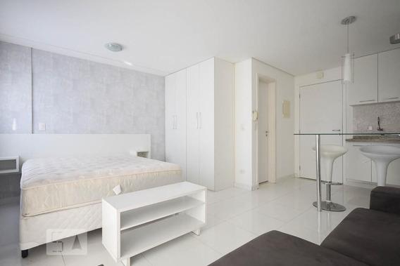 Studio No 6º Andar Mobiliado Com 1 Dormitório E 1 Garagem - Id: 892923099 - 223099
