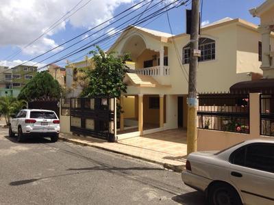 Casa De 3 Habitaciones En Vista Hermosa