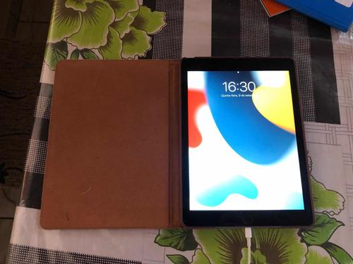 Imagem 1 de 5 de iPad 6 32 Gb Semi Novo