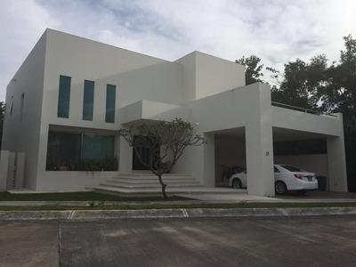 Esplendida Casa En Exclusivo Residencial De Cancun