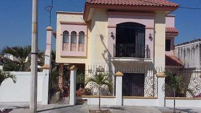 Excelente Casa En Renta En Fraccionamiento Montebello.