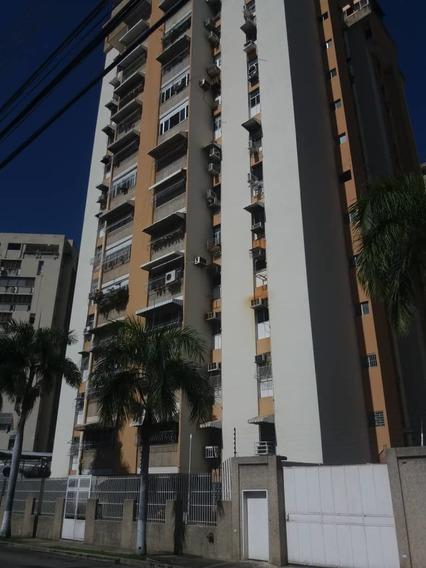 Apartamento Urb Andres Bello/ 04243448602