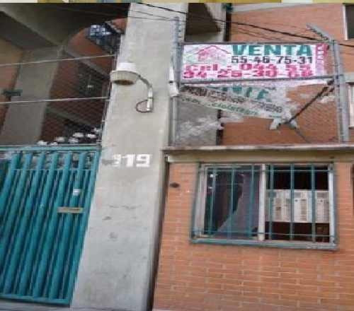 Av. Central Iztapalapa Departamento Residencial En Venta.