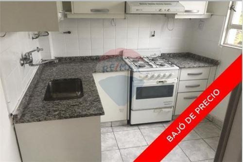 Ph 3 Amb. 2do Piso Por Escalera Con Balcon