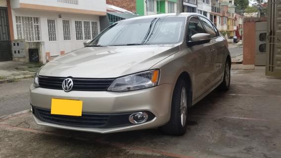 Volkswagen New Jetta 2.0, 2014 Bajo Kilometraje