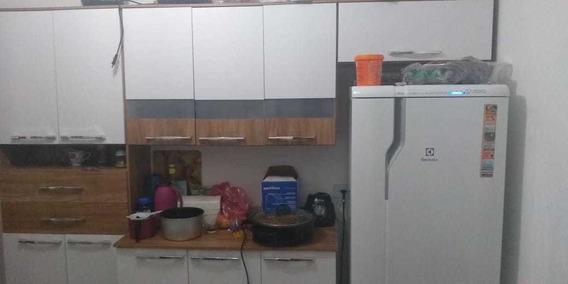Cozinha Branca E Amaderada. Em Excelente Condições.seminova