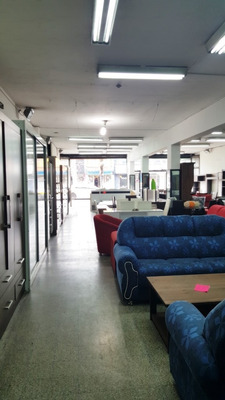 Local Comercial 900 M2