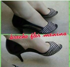 Sapato Peep Toe Cor Preto Com Branco Tamanho 36
