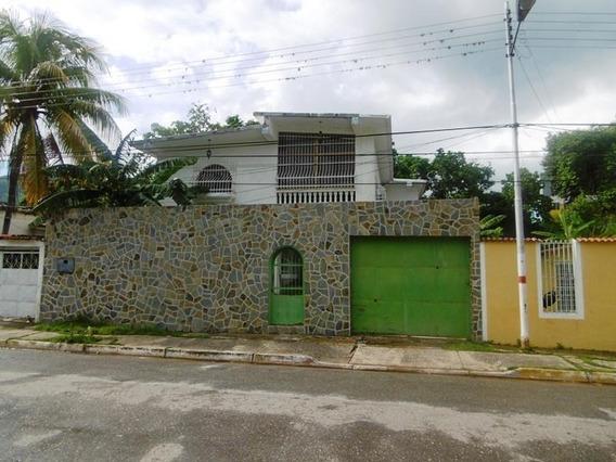 Quinta En Venta La Candelaria, Maracay 19-16960 Hcc