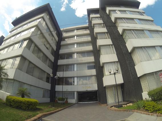 Apartamento En Venta En Chico Navarra 19-734 C.o