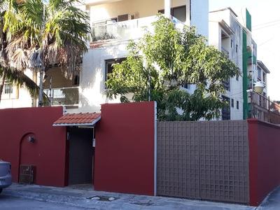 Amplia Casa De Oportunidad En Cancun, Céntrica Y Segura.