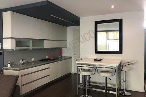 Renta De Casa Habitación De 3 Niveles Con Terraza, Excelente Distribución Y En Una Zona Tranquila.