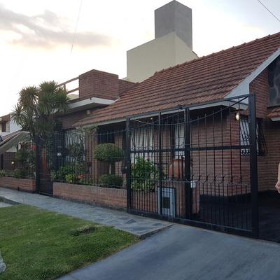 Casa Residencial En Barrio Constitución.