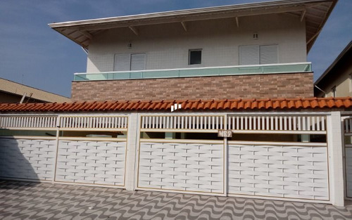 Casa Nova Em Condomínio Com Sacada Em Praia Grande Sp.
