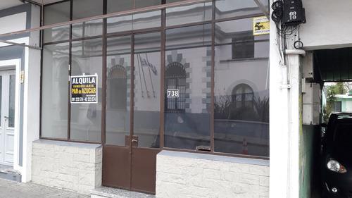 Local En Alquiler Anual Maldonado, A Una Cuadra De La Plaza.