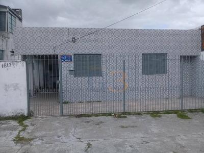 Casa Com 2 Dormitórios Para Alugar Por R$ 800/mês - Fragata - Pelotas/rs - Ca2548