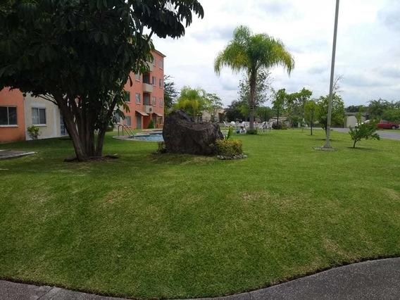 Hermoso Departamento Con Amplias Áreas Verdes