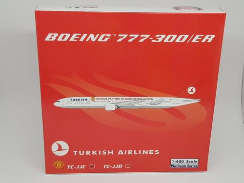 Miniatura Avião Phoenix 1:400 Turkish Boeing 777-300er